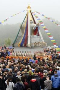 Inaugurace stúpy osvícení v Těnovicích zdroj: Buddhismus diamantové cesty