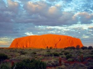 Uluru autor: Thomas Schoch zdroj: Wikimedia commons