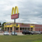 McDonald's zavírá kvůli ztrátám 700 poboček